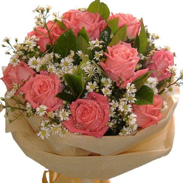 Peach Roses in a bouquet, close up