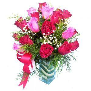 Red & pink Roses in a vase