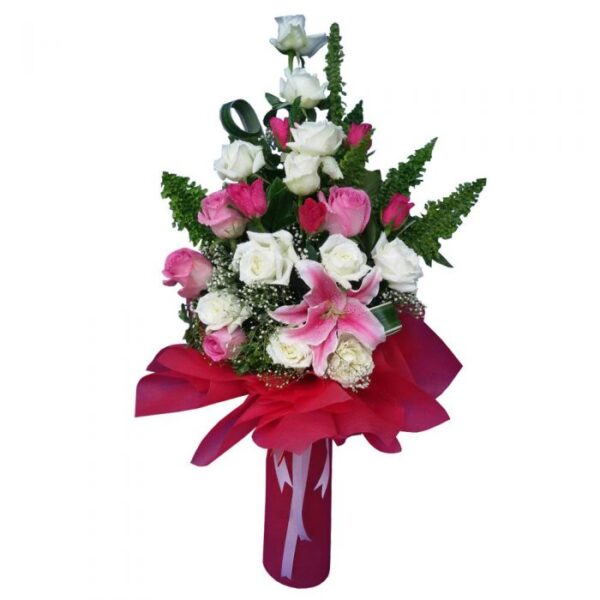 Mixed bouquet of Roses and lily