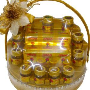 Gift set of Scotch Birds Nest Gold close up