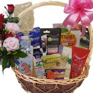 Bathroom Pamper Gift Basket close-up